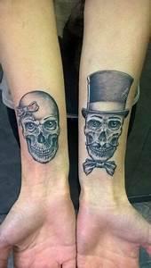 Tatouage Couple Original : t te de mort couple tattoo tattoos pinterest t te de ~ Melissatoandfro.com Idées de Décoration