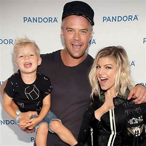 Fergie and Josh Duhamel Karl Lagerfeld Halloween Costume ...