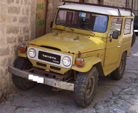 Filetoyota Land Cruiser Yellow Vl Jpg Wikimedia Commons