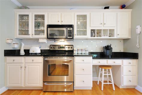 special paint for kitchen cabinets how to paint kitchen cabinets the right way huber lumber 8187