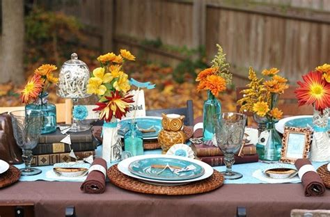 ways   flawlessly decorate  thanksgiving table