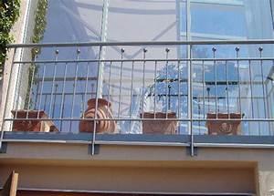 franzosischer balkon aus verzinktem stahl stahl balkongelander With französischer balkon mit kugel außenleuchte garten