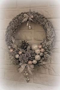Weihnachtskranz Für Tür : begr t den advent mit einem kranz an der t r weihnachtskranz basteln weihnachten pinterest ~ Bigdaddyawards.com Haus und Dekorationen