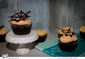 Cupcakes Mit Füllung : boo hoo halloween cupcakes mit blutiger f llung ~ Eleganceandgraceweddings.com Haus und Dekorationen