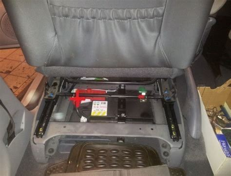 siege conducteur xsara picasso trouver et changer la batterie sur xsara picasso astuces