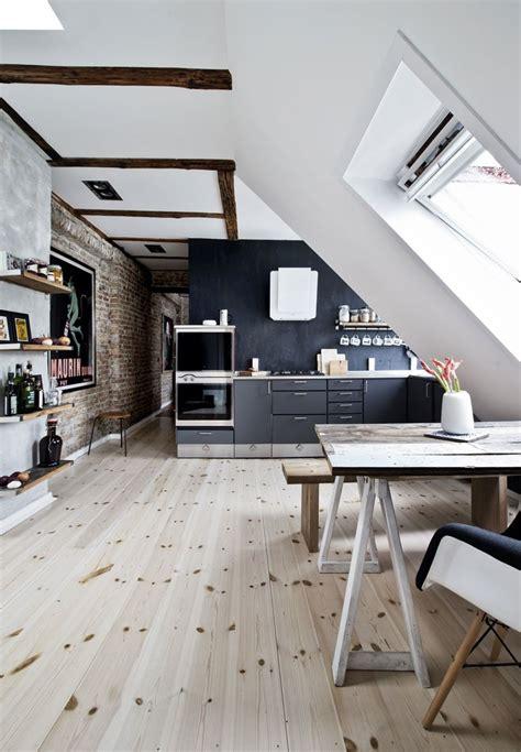 une grande cloison coulissante sous les combles pour separer les espaces  house pinterest