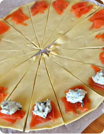 croissants feuillet 233 s au saumon pour l ap 233 ro pich 224 la fraise