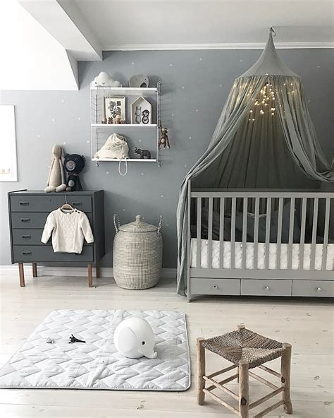 Babyzimmer Unisex Gestalten by Lovely Nursery Room Adorned By Our Silver Grey Canopy