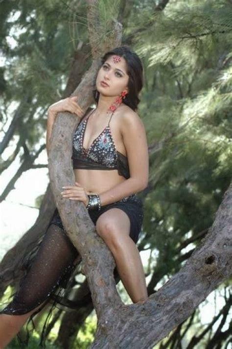 Anushka Shetty Bikini Photos Seductive Bikini Hot Actress