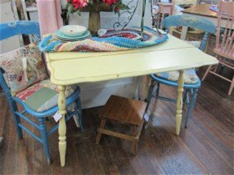 cottage style kitchen table painted shabby chic drop leaf kitchen table cottage 5922