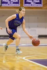 Women's Basketball Swats Aside Bates in NESCAC ...