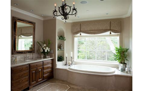 traditional bathroom decor valance ideas roman shade