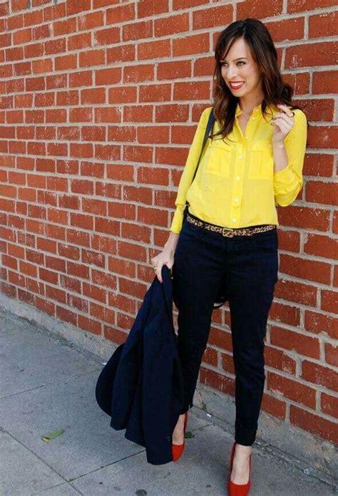 Blusa amarilla pantalu00f3n negro zapatos rojos | Looks Pantalu00f3n | Pinterest | Blusa amarilla ...