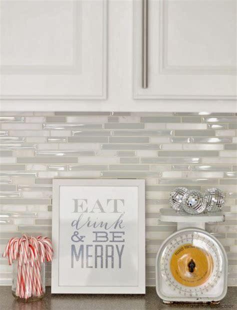 Backsplash In Kitchen Ideas - the 25 best glass backsplash kitchen ideas on pinterest kitchen backsplash tile types of