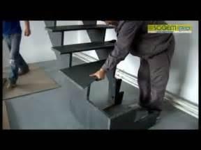 Escalier 1 4 Tournant by Montage D Un Escalier Design En Kit Tambora 1 4 Tournant