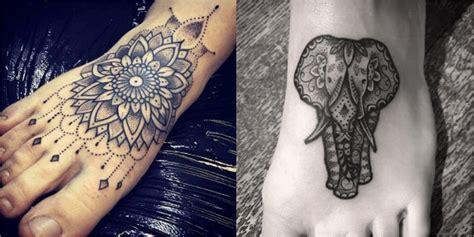 tatouage mandala femme pied