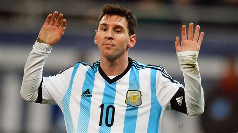 Messi Stands Against Neymar for World Cup, Golden Boot Win