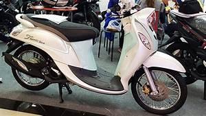 Yamaha Fino 125  U0e23 U0e38 U0e48 U0e19 Standard