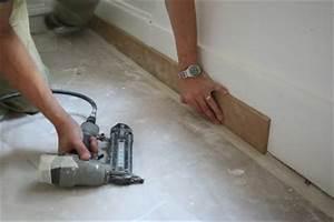 Pose De Plinthe Carrelage : poser des plinthes ~ Melissatoandfro.com Idées de Décoration