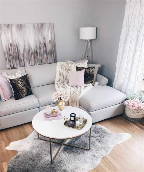 living room decor bringing a modern glam living room vision to