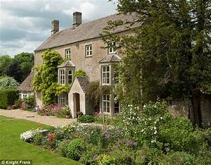 Liz Hurley39s Six Bedroom Cotswolds Home Ampney Knowle On