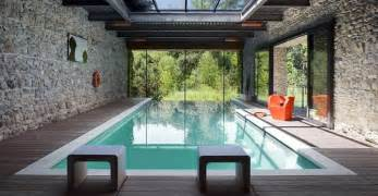 Modern Houses With Pool The Infinity Pool Has Been Widely Applied In The Rooftop Level Of The