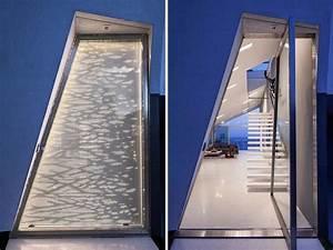 porte d39entree vitree en acier inox d39une residence privee With porte d entrée alu avec revetement mural a coller salle de bain