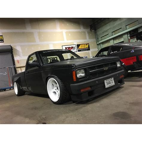 widebody truck check out this wide body 2j powered irs having s10 pickup
