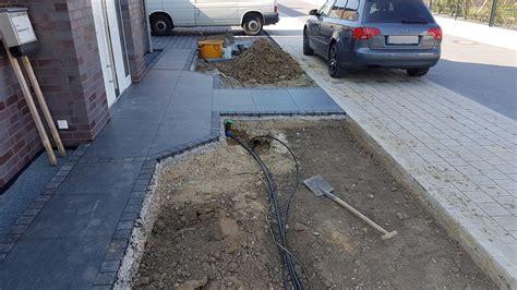 Terrassenplatten Verlegen So Gehts by Anleitung Keramik Terrassenplatten Verlegen So Geht S