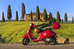 Vespa Rossa in Toscana Val d'Orcia, Toscana, Italia Flickr