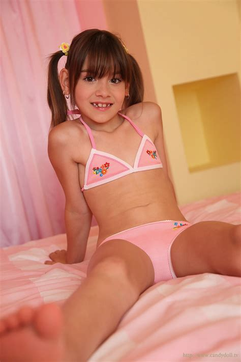 Candydoll Laura B Set Girl Pic