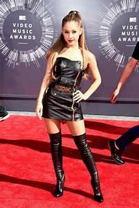 Ariana Grande celebrity hair changes. Really?  Ariana