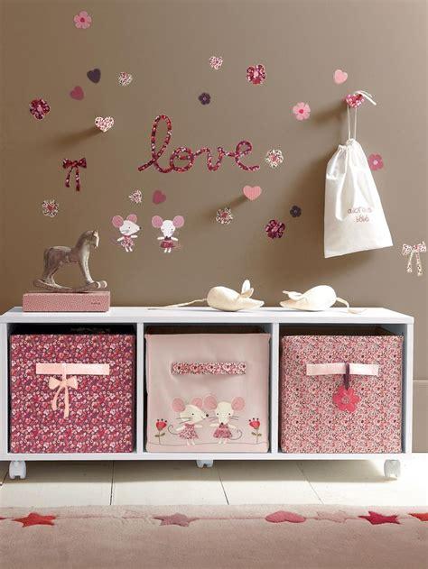 thème décoration chambre bébé deco chambre bebe theme souris