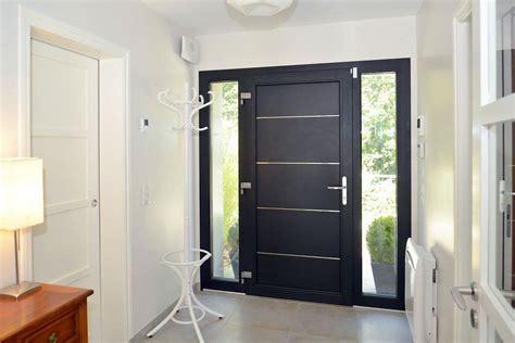 porte d entree moderne alu porte d entr 233 e alu tech de la ligne excellence un mod 232 le moderne design et robuste portes d