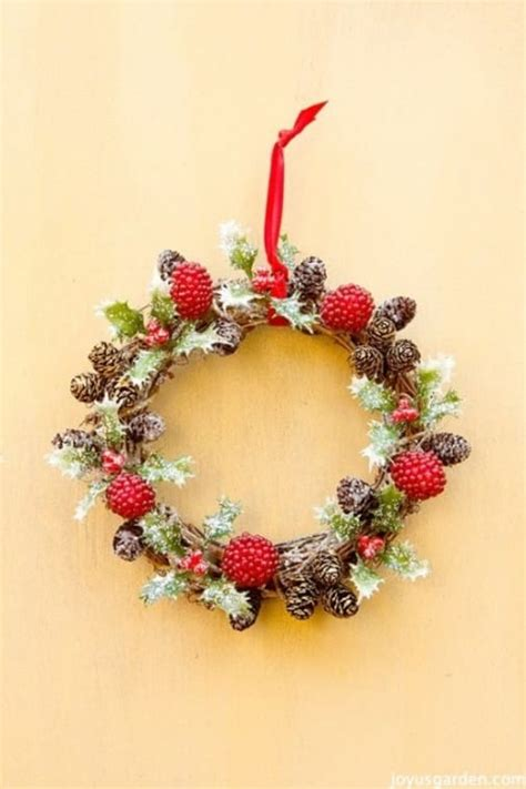 holly berry vine wreath christmas ornament