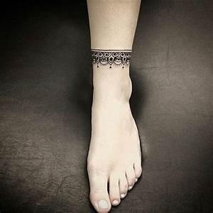 Tatouage Homme Cheville : 1001 id es tatouage bracelet cheville le tattoo la cha ne ~ Melissatoandfro.com Idées de Décoration