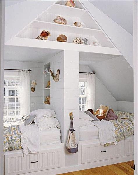 une chambre pour deux chambre d 39 enfants créer deux espaces sous combles rêve