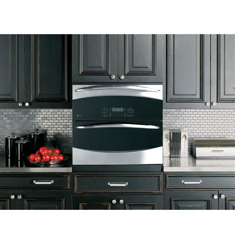 ge cooks  double oven versatility   small space ge appliances pressroom