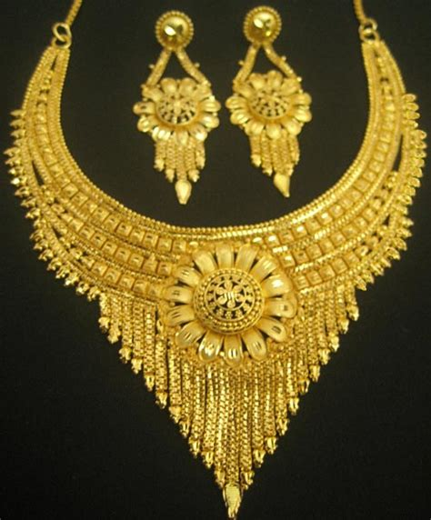 Latest Indian Gold Jewellery Sets Designs For Bridal 2016. Mount Black Watches. Stone Earrings. Basket Rings. Big Mens Watches. Monogram Ankle Bracelets. Stackable Diamond Bangle Bracelets. Real Diamond Wedding Rings. Gem Jewelry