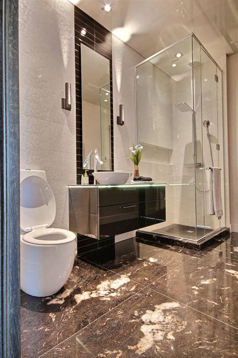 Salle De Bain Moderne • Armoires Blanc • Richard & Levesque