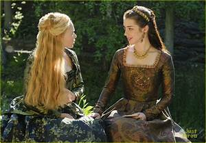 Reign's Adelaide Kane Reveals How Important Mary's Ladies ...