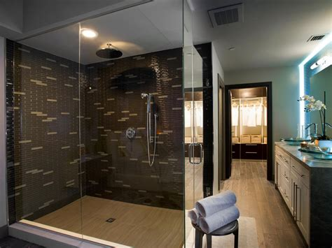 Hgtv Master Bathroom Designs by Master Bathroom With Brown Tiled Shower The Pairing Of