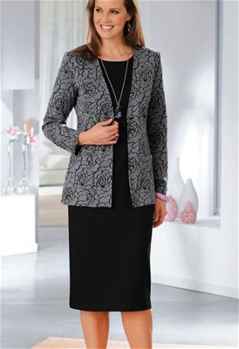 modele de robe de bureau les 25 meilleures idées concernant ensemble tailleur femme
