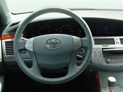 image  toyota avalon  door sedan xls natl steering wheel size    type gif