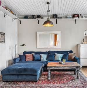 decoration ideas for kitchen walls valen xl med fotpall i blå sammet och nitar sammetssoffa
