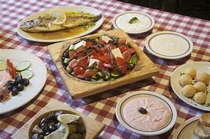 Mediterranean Diet Boosts Brain Functioning  Lowers Alzheimer U0026 39 S Risk  Review