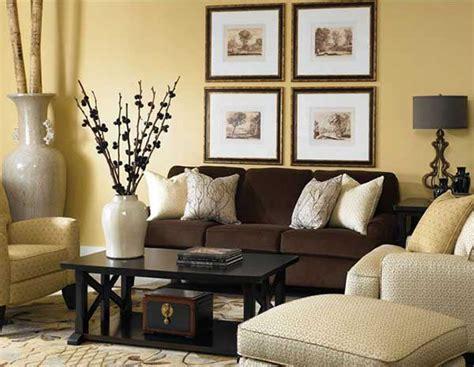 bir kahverengi koltuk 10 dekorasyon