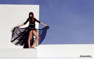 Fashion Wallpaper Chanel Wallpaper