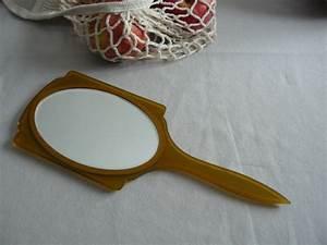 Miroir à Main : miroir main vintage moutarde i love you baby vide ses placards ~ Teatrodelosmanantiales.com Idées de Décoration