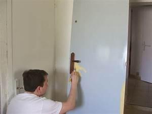 peindre une porte en faux bois facon noyer galerie With peindre sur peinture satinee